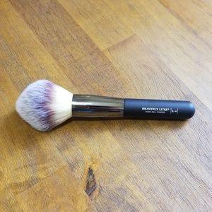 It Cosmetics Heavenly Wand Ball Powder brush #8
